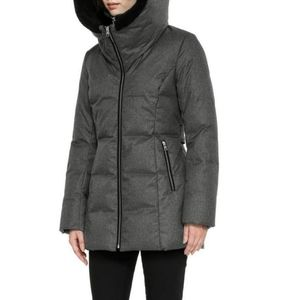 SOIA KYO Pearlie Down Coat with Nipped waist and face framing hood-L